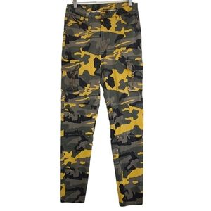 Revamped Women's Yellow & Gray 7 Pocket Camo Pants